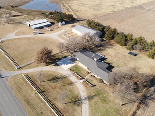 2/13 RANCH STYLE COUNTRY HOME ● BARNS ● CORRALS ● 10± ACRES
