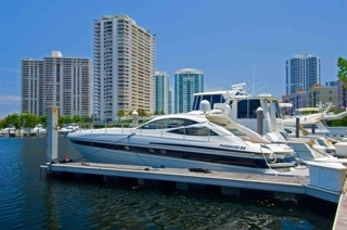 2001 PERSHING 52 LUXURY YACHT