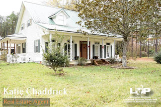 Beautiful Home For Sale on 10 Acres of Land Near Pine Prairie, LA