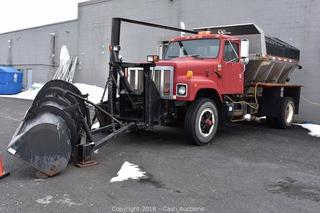 Online Auction Only - 1991 International Plow Truck