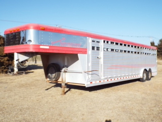 2003 Gooseneck Stock trailer