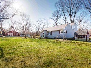 GONE! No Reserve Real Estate Auction: 4 Bedroom Home on 1+ Acre | Gladstone, MO