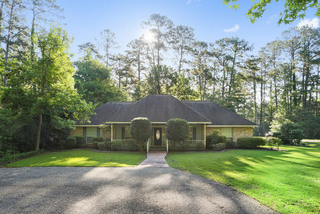 Home For Sale at Auction in Covington, LA