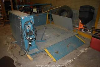 Online Auction ONLY - Advance Lifts Series 1000 Model 1055 Top of Ground Dock Lift