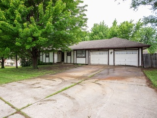 Fixer Upper 3 Bedroom True Ranch in Staley High School District, Kansas City, MO (North) | For Sale in Online Probate Estate Auction