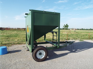 2015 Heavy-Built E-Con 2 Ton Feed Buggy