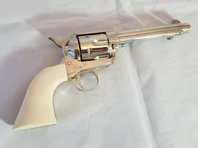 LARGE ESTATE FIREARMS AUCTION - Bonnette Auctions