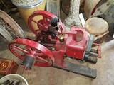 ESTATE STATIONARY GAS ENGINE/TRACTOR AUCTION