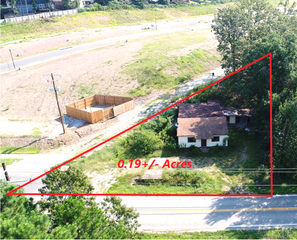 RESIDENTIAL REAL ESTATE AUCTION - WEST LITTLE ROCK, AR