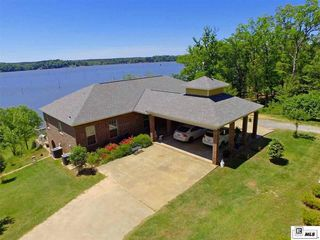 WATERFRONT HOME FOR SALE AT AUCTION ON LAKE DARBONNE, FARMERVILLE, LA