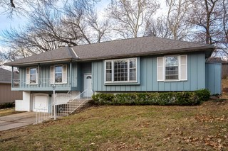 GONE! No-Reserve Real Estate Auction: 3 Bedroom Home in Country Lane Estates | Kansas City, MO