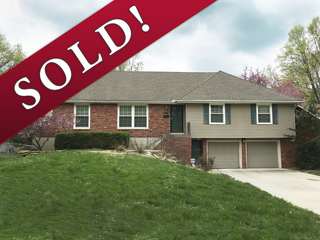 SOLD! No Reserve Auction | Solid 3 Bedroom R-Ranch on Quiet Cul-de-Sac | Gladstone, MO | Sells Regardless of Price!