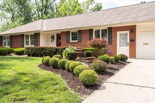 No Reserve | Lush Landscaped Mid Century Ranch | Raytown, MO