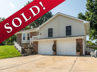 SOLD! No Reserve | 3-Bedroom, 2.5 Bath R-Ranch Home | Holt Estates | Liberty, Missouri