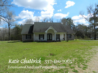 4 bedroom 2.5 bath home and 3 acres for sale in Pine Prairie, LA
