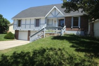 GONE! Estate Auction: Well Maintained 5 Bedroom, 3.5 Bath 1.5 Story | Gladstone/Kansas City, MO