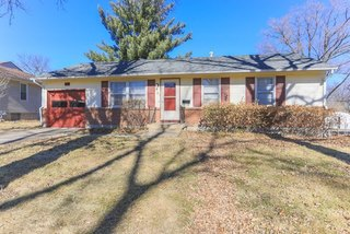 GONE! Owner Ordered Auction:  Cute 3 Bedroom True Ranch with 1 Car Garage on Treed Lot in Quiet Neighborhood   Kansas City MO.