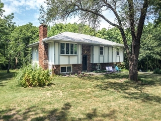 GONE! No Reserve Auction: 3 Bedroom Home on 2.4 Acres | Shawnee, KS